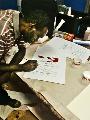 Artists at work at the Wik and Kugu Art Centre – Aurukun