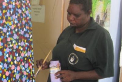 Marlene Holroyd Pormpuraaw Artist Wei'Num Ground